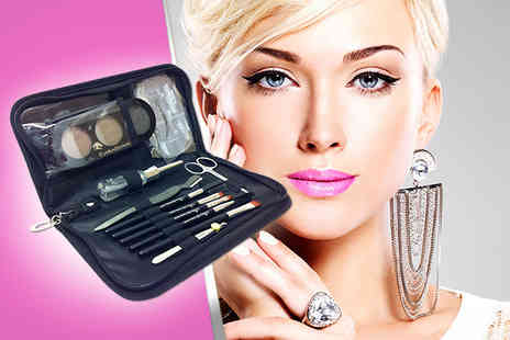 The Cosmetic Store - Eye Luv Brows Kit including brow colours brushes & shaping - Save 80%