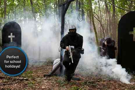 Horizon Paintball - Zombie paintballing session for ten including all equipment, entry and 50 paintballs each - Save 89%