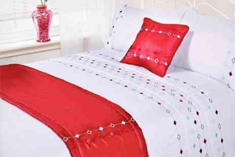 Dynergy - Five Piece Bedding Set in Choice of Designs - Save 60%