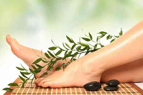 Revive beauty - Foot Pamper Package Pedicure, Foot Mask and Massage - Save 50%