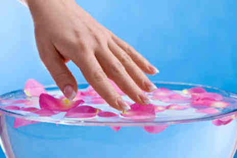 Shake n Fit - Full Set of French Tip Acrylic Nails from Nails by Sam - Save 54%