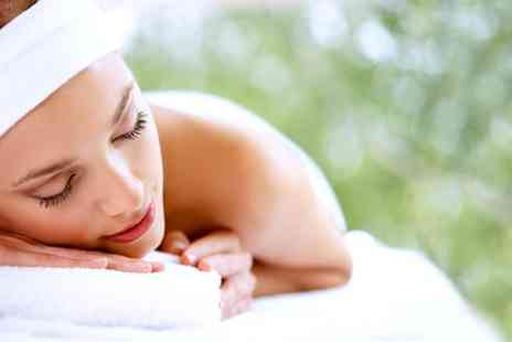 Hyde Relaxation Clinic - 30 minute reiki session and a 30 minute massage - Save 42%