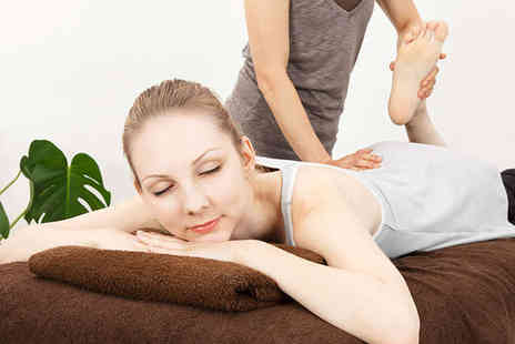 The Ringwood Clinic - Hour Long Sports Massage - Save 57%