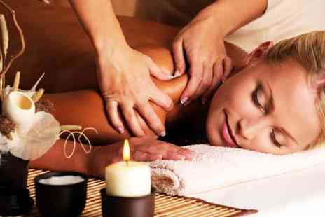 White and Beauty -  60-Min Relaxation Massage - Save 57%