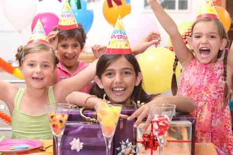 i Play Soft Play - Childrens party with a private suite and buffet for up to nine - Save 47%