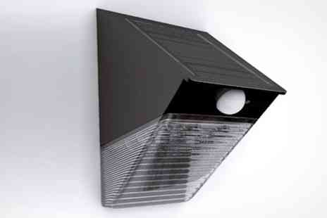 James Russell - Solar Powered Entrance Light With Motion Detection - Save 49%