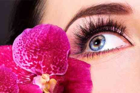 The Laser Clinic  - Eye Package or Six Eyebrow Threading Sessions - Save 40%
