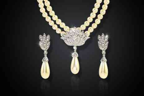 Leggera Dreams - 18k white gold plated freshwater pearl and crystal jewellery set  - Save 50%