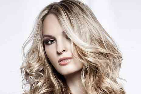 Oceanic Hair & Beauty - Full head of highlights with a cut blow dry and treatment - Save 71%