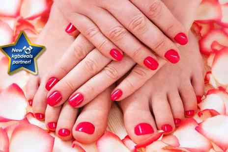 Perfect Pout - Party Lashes a Gel polish on fingers and toes with mini mani pedi - Save 72%