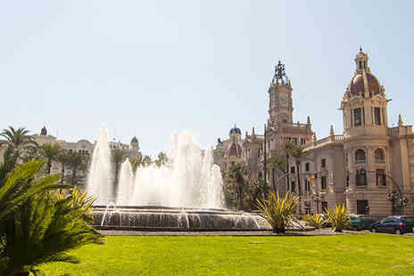 Escuela de Espanol - One Week Spanish language learning course in Valencia including accommodation - save 72% - Save 72%