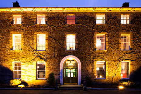Hammet House - One night stay for 2 including Prosecco on arrival & breakfast - Save 56%