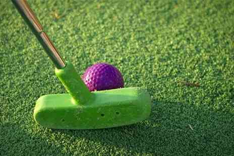 Putters Golf Bar - Crazy Golf With Food and Drinks - Save 54%