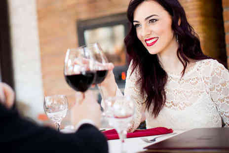 Social Attraction - Entry to Come Date with Me Event with Glass of Bubbly on Arrival - Save 60%