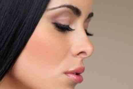 Celebrity Look - Nouveau Semi-Permanent Eyelash Extensions and Brow Tidy - Save 67%