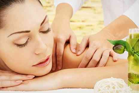 pamper package deal -  Massageincluding Swedish and hot stone - Save 66%