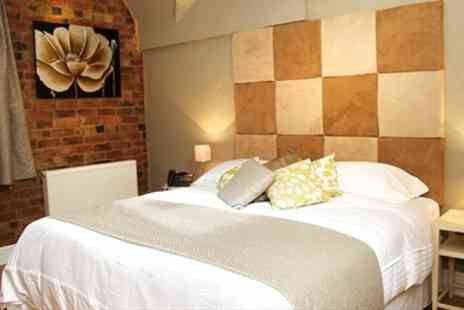 Carriages - In Shropshire Boutique Stay with Dinner & Cocktails - Save 43%