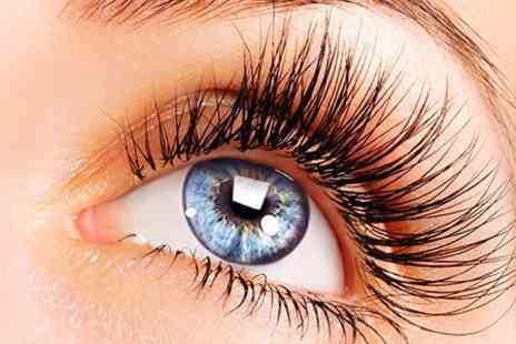 Lauren E Summers - Semi Permanent Lash Extensions - Save 28%