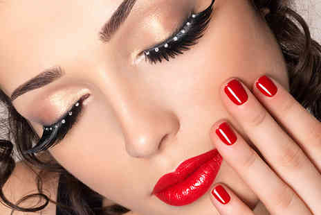 Beauty Escape - Flare eyelash extensions - Save 64%