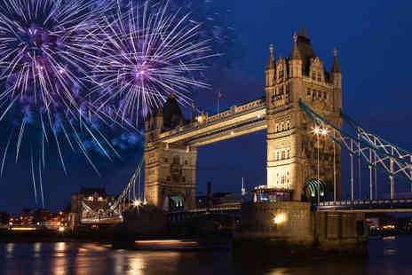 Thames River Tours - Ticket to a Thames firework river cruise - Save 51%