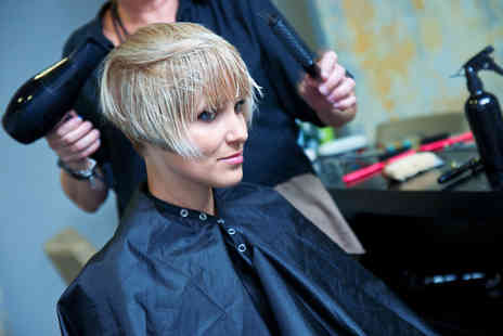The London Beauty College - Level 2 NVQ in Hairdressing course - Save 90%