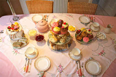 La di da Cupcake - Traditional afternoon tea for two - Save 52%