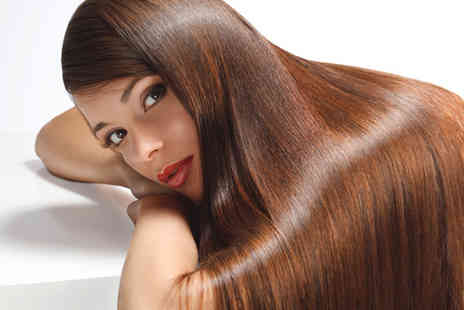 Envisage Beauty - Wash cut and half head of highlights - Save 64%
