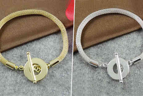 Platinum Bay - Stunning toggle bracelet Available in the colours silver & gold - Save 96%
