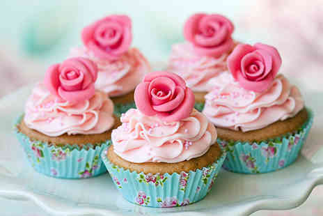 A Sweet Little Treat - Cupcake decorating class including 9 cupcakes to take home - Save 62%