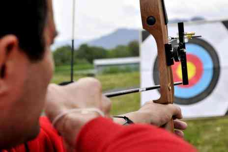 SD Adventures - Indoor archery experience - Save 76%