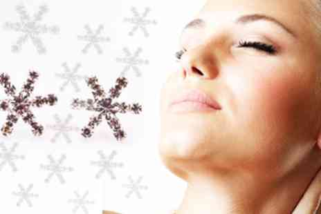 Amelia Zahara - Pair of seasonal crystal snowflake earrings - Save 98%