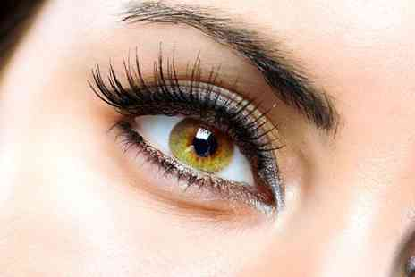 The Pamper Bar - Leave an impression with a full set of semi permanent eyelashes - Save 76%