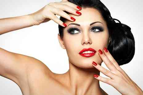 Maggie Style - Shellac Manicure - Save 52%