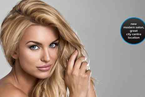 Rapture Hair Studio - Hit refresh on hair with a half head of highlights restyle and an intensive conditioning treatment - Save 78%