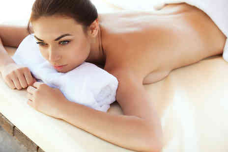 Fine Physique - Pamper package including facial massage & eye treatment - Save 71%