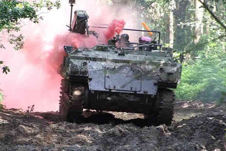 Ultimate Tracks - Tank paintball experience including 100 paintballs for 2 people - Save 77%