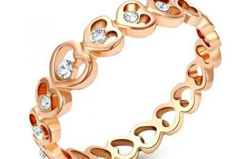 DealWizz - Charming Hearts Ring Embedded Crystals Swarovsky 18K Red Gold Plated - Save 50%