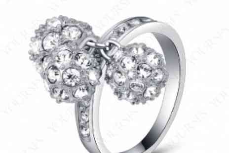 DealWizz - Lovely Three Balls Ring Transparent SWAROVSKY Crystals Beautiful Design 18K White Gold Plated - Save 50%