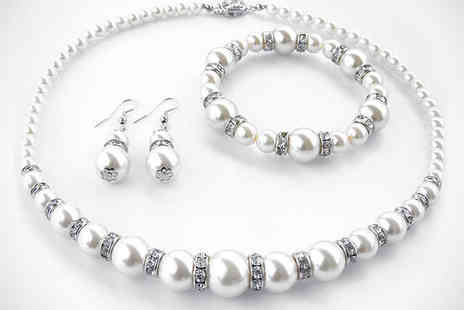 Bijoux Girl - Three Piece Pearl Jewellery Set with White or Black Pearls - Save 85%