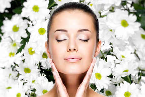 Spa Prana - Aromatherapy or fruit facial including head massage - Save 74%