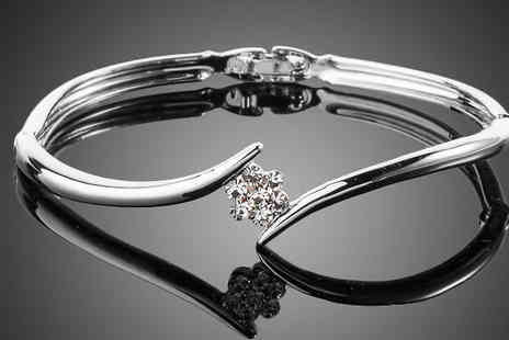 Platinum Bay  - Flower bangle Which Can Make your outfit blossom - Save 83%