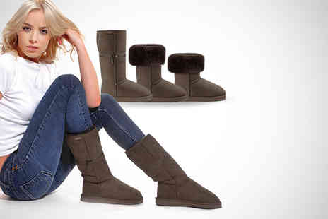 Kindred Sole - Pair of Australian sheepskin Zippyboots in black chocolate or chestnut - Save 66%
