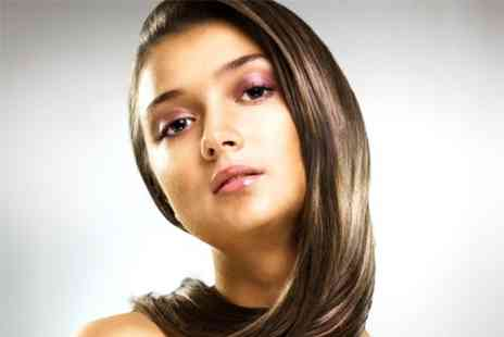 Salon 361 - Cut and Blow Dry Plus T Section Highlights - Save 50%
