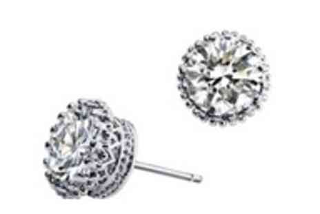 Moonshine Boutique - Pair of round crystal stud earrings made with Swarovski crystal elements - Save 95%