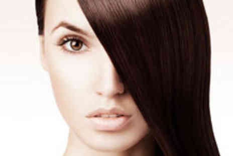 Lisa Shepherd - Formaldehyde Free Brazilian Blow Dry plus Glass of Wine - Save 70%