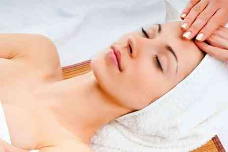 Aromatics Baldock - Facial With Head Massage or Reflexology - Save 75%