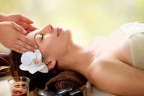 La Chic - Body Scrub, Hot Stone Massage and Mini Facial for One - Save 62%