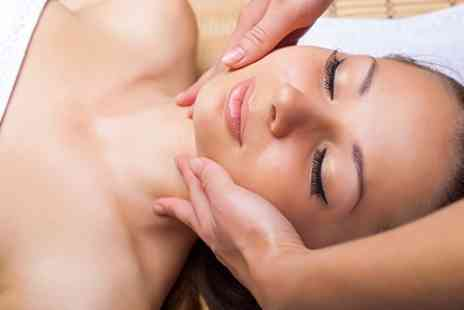 Aesthetic Expert - Microdermabrasion Three Sessions - Save 58%