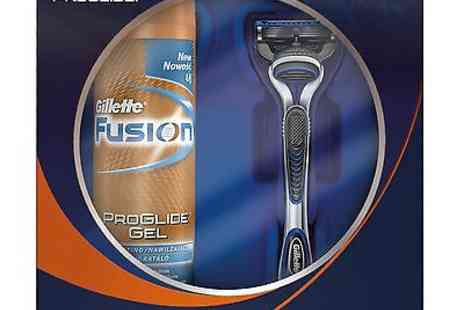 bestbrands-uk - Gillette Giftset 6  Glide - Save 33%