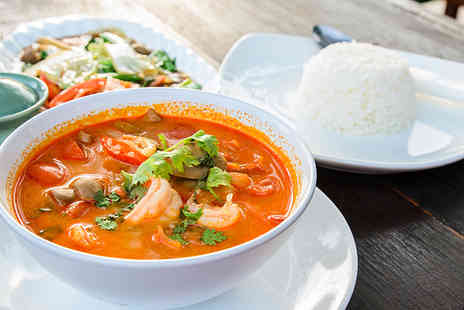 Wendys Thai - Thai meal for 2 including main rice & glass of wine - Save 47%